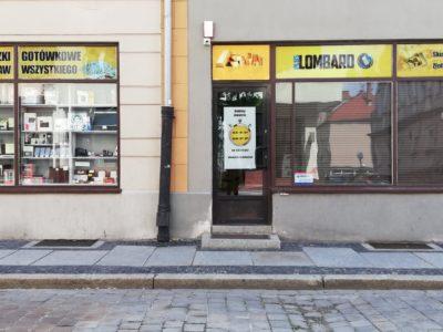 Plus Lombard w mieście Brzeg